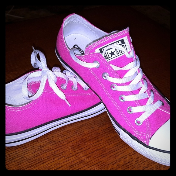 All star converse hot pink shoes NWOT